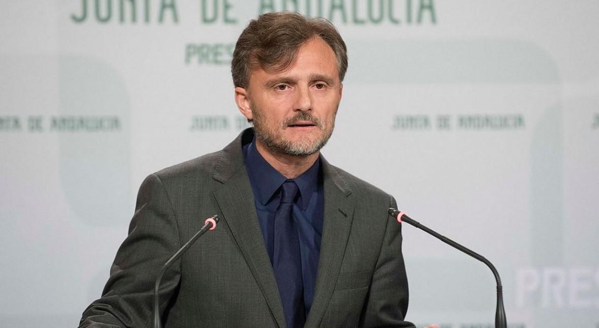 José Fiscal expone política residuos Parlamento andaluz