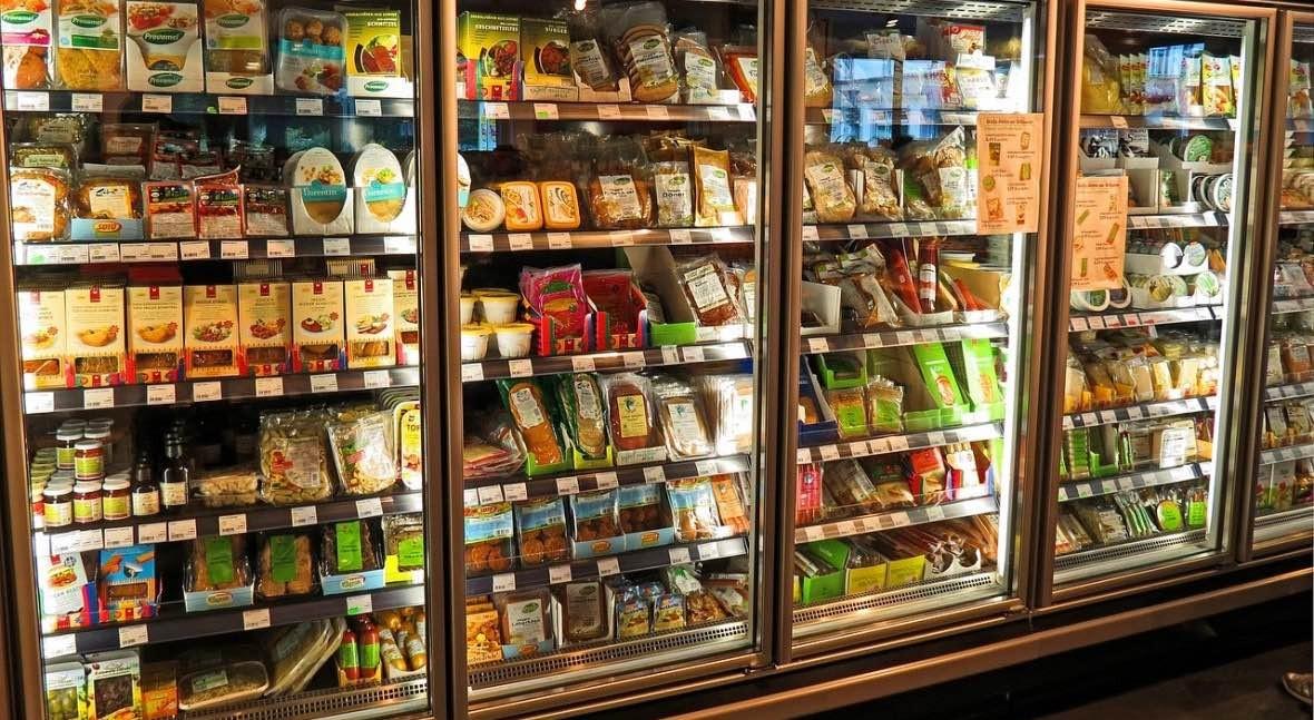 70% ciudadanos afirma que desperdician alimentos porque olvidan nevera