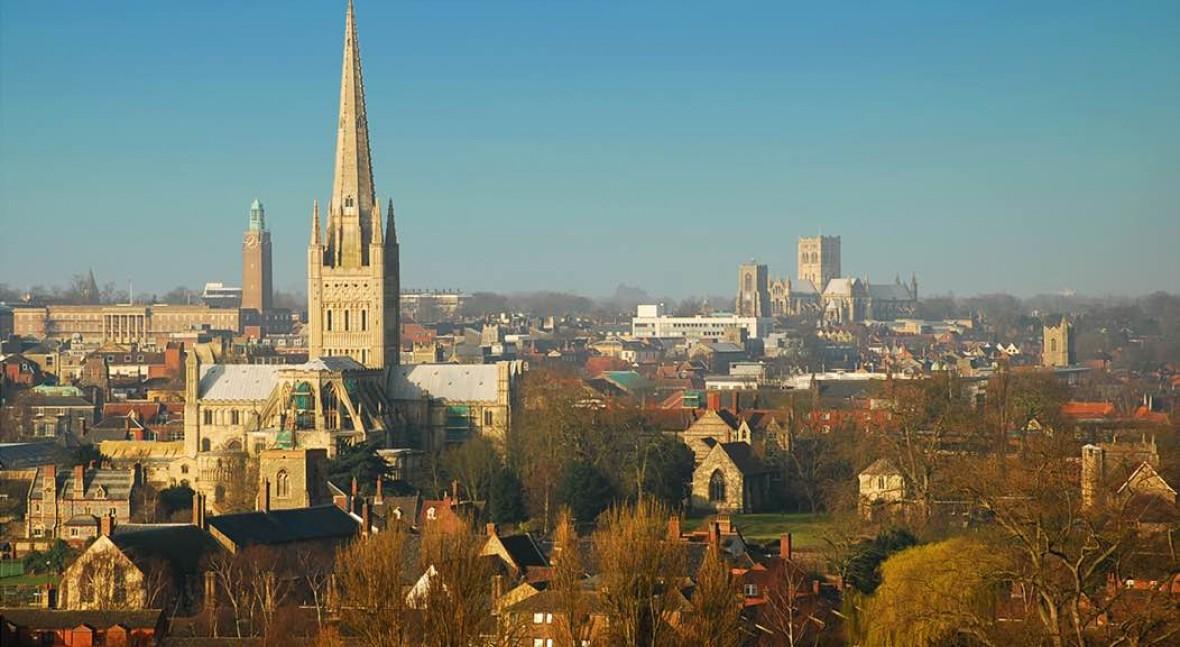 FCC logra dos nuevos contratos gestión residuos y limpieza viaria Reino Unido