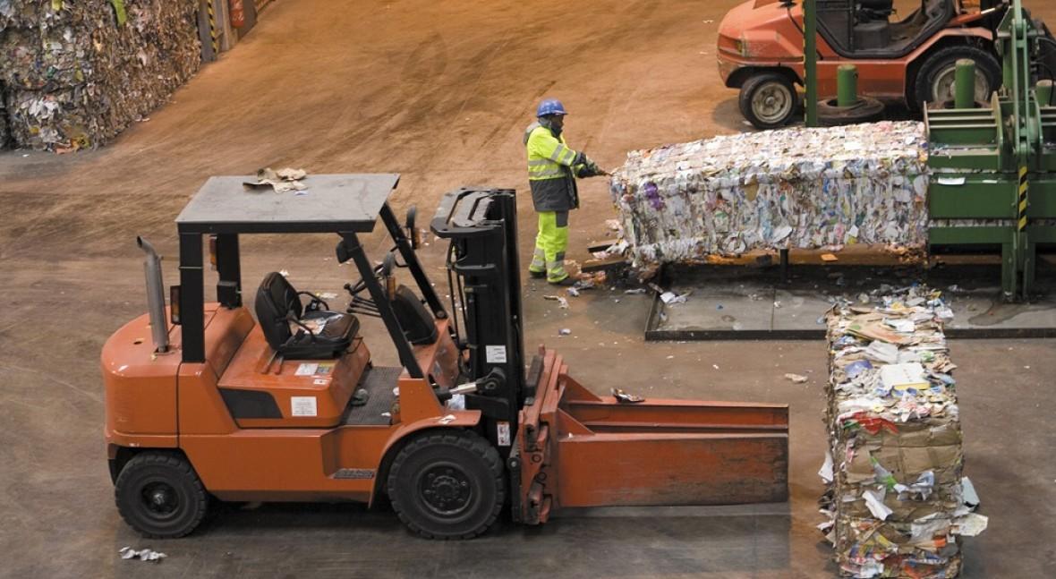 España recicló 5,2 millones toneladas papel y cartón 2015