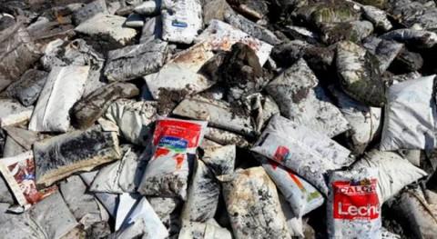 MVOTMA investiga miles bolsas leche encontradas playa Caurro