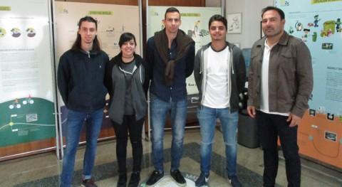 Alumnos Facultad Ciencias Ourense se interesan dimensión tecnológica Sogama