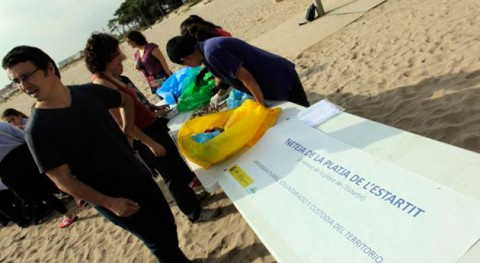 Apadrina tu playa mar desperdicio