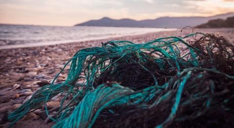 primer bote hecho basura marina inicia expedición costas África