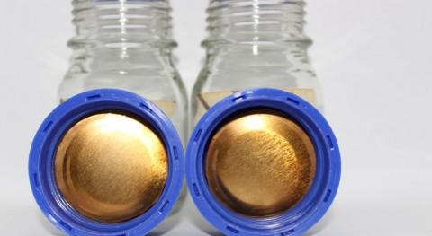 Nuevo bioplástico obtenido piel tomate recubrir interior latas