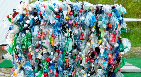 Fracasa sistema gestión residuos: España apenas recupera 25% envases plásticos