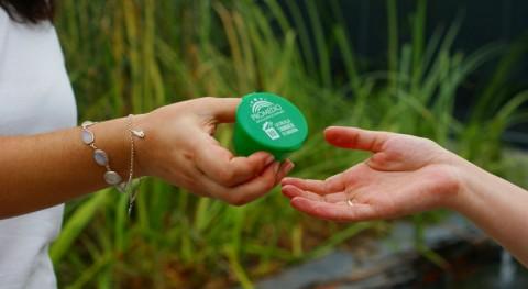 ceniceros reutilizables protagonizan campaña limpieza zonas baño Badajoz