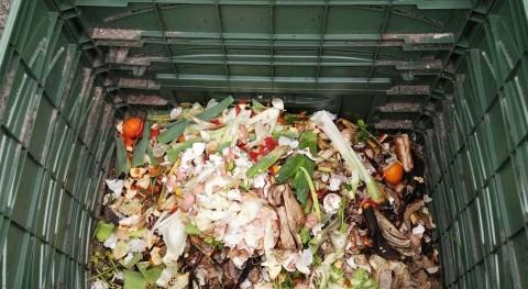 Cuntis se incorpora al programa compostaje doméstico Sogama