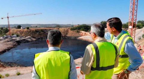 Comunidad Madrid extrae 39.500 toneladas aceites industriales Laguna Aceite