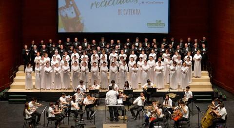 música y reciclaje llenan Donostia Orquesta Instrumentos Reciclados Cateura