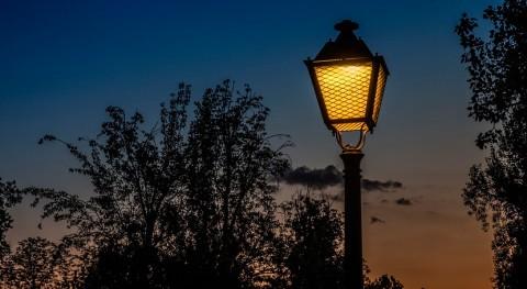 excrementos perros iluminan farolas urbanas Reino Unido