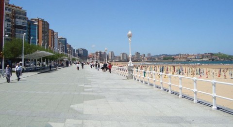 Gijón informa importancia no arrojar colillas playas