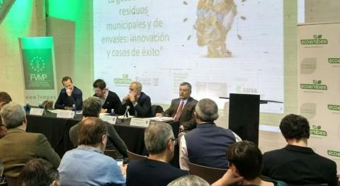 Más 150 personas debaten gestión residuos Valencia