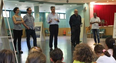 """300 escolares participan campaña """" más limpia Mediterráneo"""" Pobla Vallbona"""