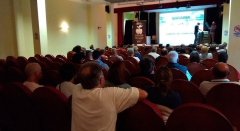Ayuntamiento Laracha entrega 75 compostadores cedidos Sogama nuevas viviendas