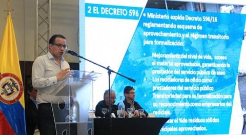 Gobierno colombiano prepara normas que beneficiarán recicladores país