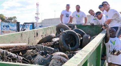 60 voluntarios retiran más 10 toneladas residuos fondo marino Puerto Arguineguín