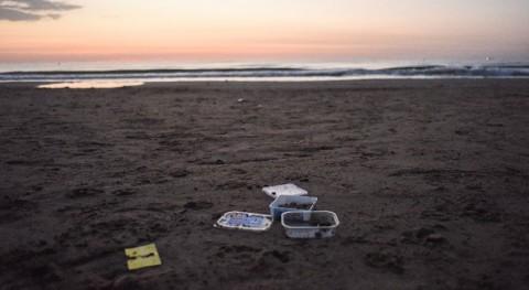 Greenpeace saldrá limpiar playas y ríos y analizará marcas plásticos que se recojan