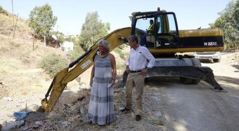 Málaga comienza limpieza residuos sólidos 90 arroyos ciudad