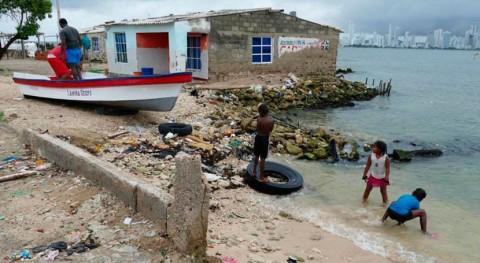 impuesto bolsas plásticas Colombia, paso firme basura marina Caribe