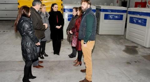Santa Comba estrena nuevos colectores envases ligeros y papelcartón