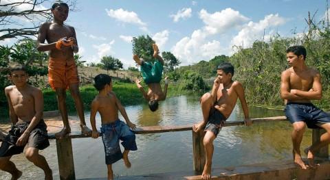 Miles personas se unen #ConlaNaturaleza limpiando playas y bosques