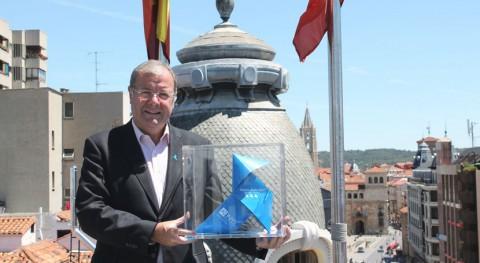 Pajarita Azul llega León reconocer gestión reciclado papel ciudad