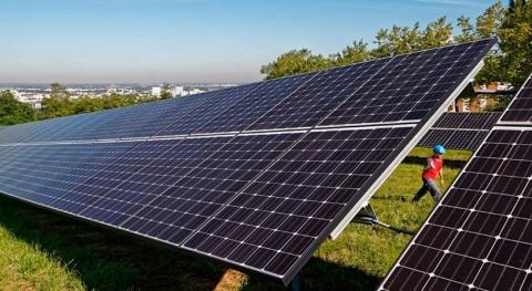 Francia reciclará 1.400 toneladas paneles fotovoltaicos antiguos cada año