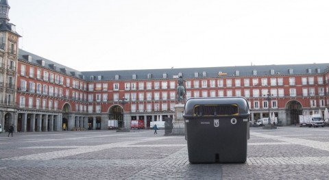 Plaza Mayor Madrid estrena contenedores envases