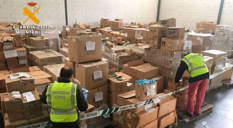 Guardia Civil inmoviliza 32 toneladas productos químicos, sanitarios y cosméticos caducados