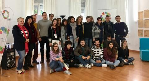 16 jóvenes 7 países desarrollan 'eco-toilet' partir materiales reciclados Málaga