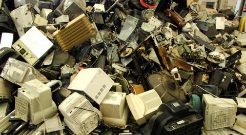 Recyclia asesora al Gobierno ucraniano reciclaje residuos electrónicos y pilas