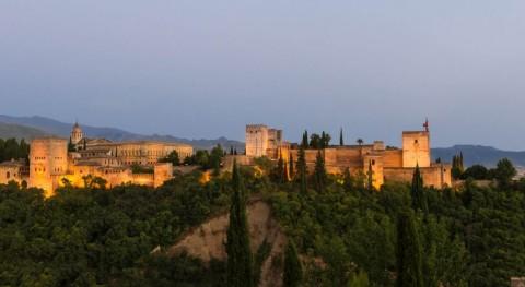 Granada impulsa campaña potenciar uso contenedores ropa usada