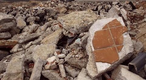 vertedero ilegal escombros se extiende frente cárcel Valdemoro, Ecologistas