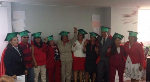 primera generación 10 líderes recicladores se gradúa Quito