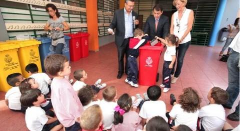 Ayuntamiento Tenerife fomenta reciclaje RAEEs colegios municipio