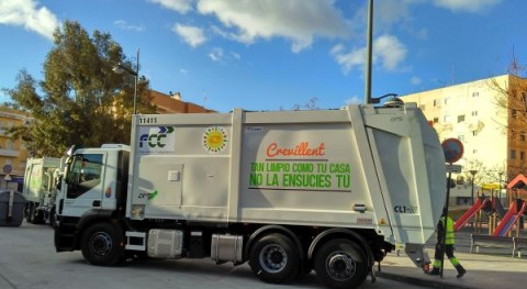Crevillent estrena flota vehículos y maquinaria servicio recogida basura y limpieza