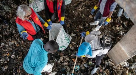 refugiados Egipto combaten contaminación plástica río Nilo