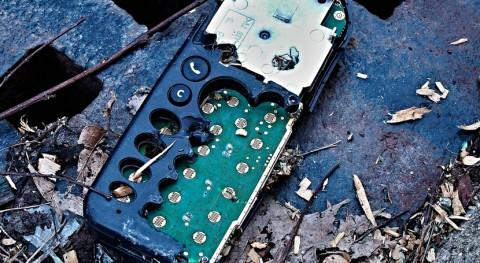 desmantelamiento residuos electrónicos expone contaminantes peligrosos salud