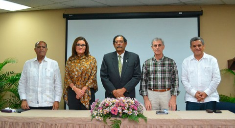 Universidad Nacional Pedro Henríquez Ureña expone líneas investigación residuos sólidos