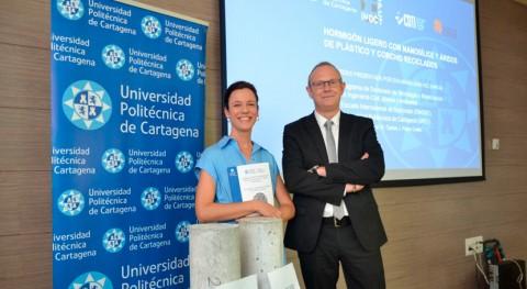 tesis UPCT desarrolla hormigón ligero y sostenible plástico y corcho reciclado