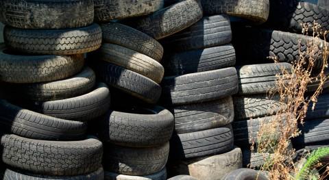 Síndic investiga vertedero ilegal neumáticos Arenys Mar
