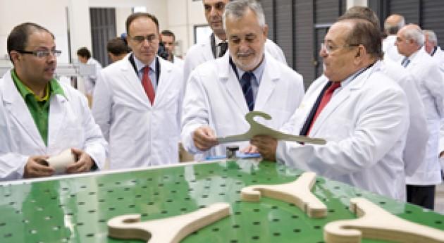 José Antonio Griñán visita planta Ecopapel, que fabrica envases residuos agrícolas