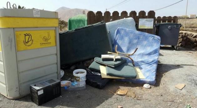 Oliva denuncia aumento casos relacionados tratamiento inadecuado residuos