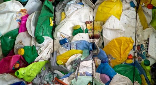 reciclaje plástico creará 160.000 empleos Europa 2020