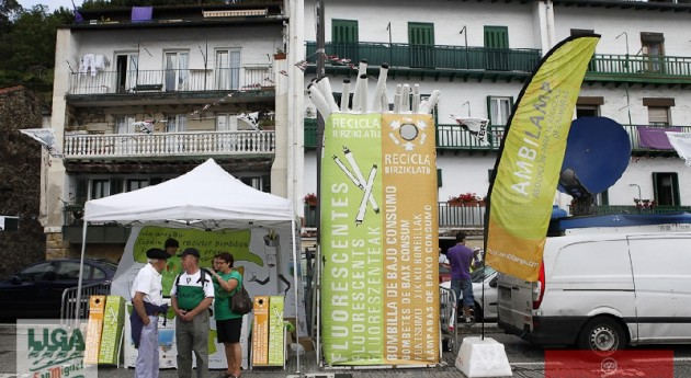 AMBILAMP tiñe verde Liga San Miguel traineras