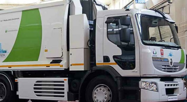 Urbaser recibe primer camión híbrido recogida residuos