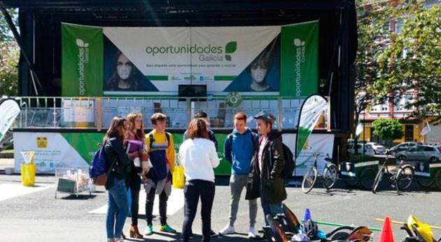 tráiler reciclaje vista varios municipios Pontevedra