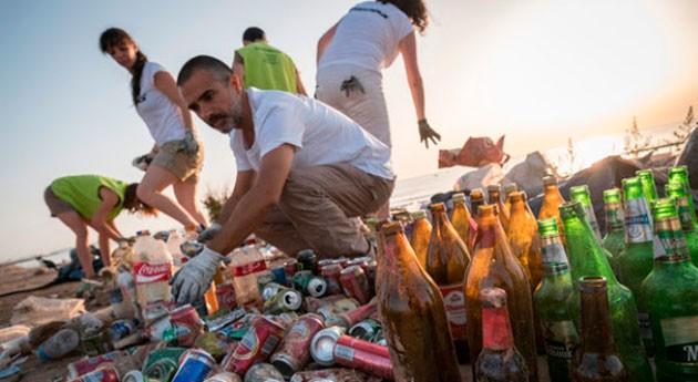 Limpieza y concienciación contaminación plásticos Valencia