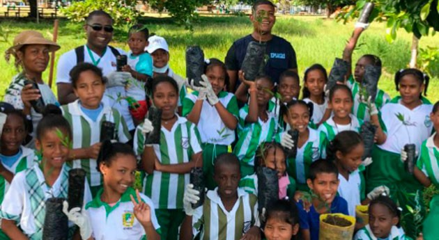 Nuquí se suma limpiar Colombia